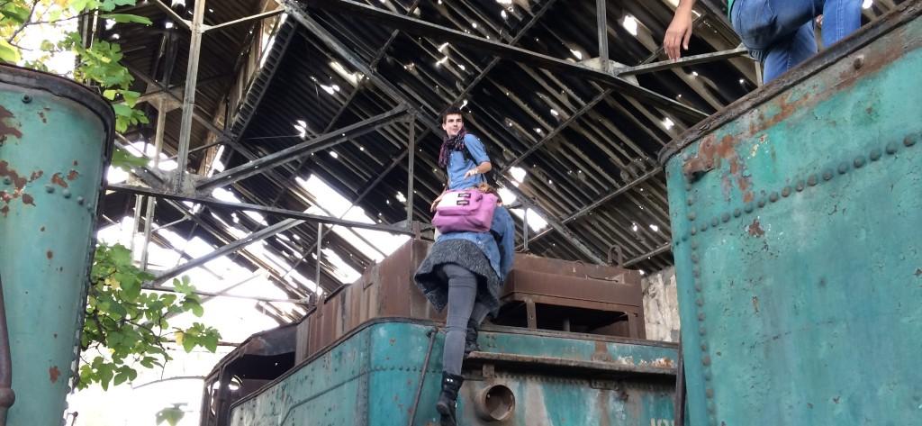 hangar abandonne detruit par le temps